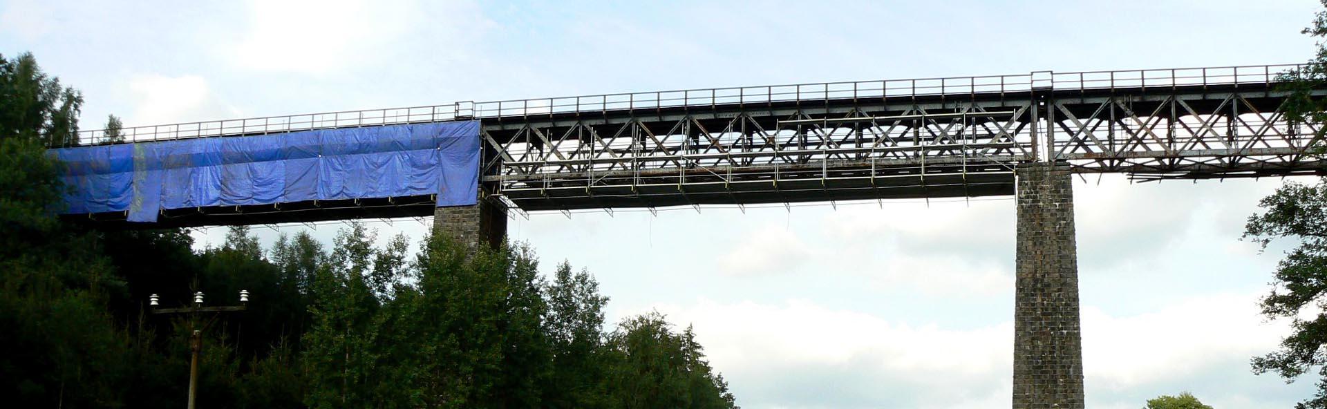 lešení na mostech